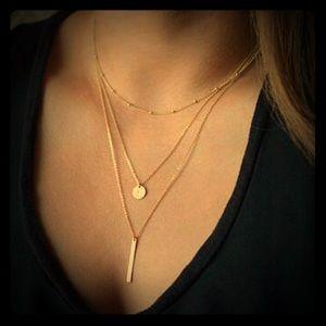 Jewelry - 🍂🎃🍂Gold Layered Bar & Circle Necklace